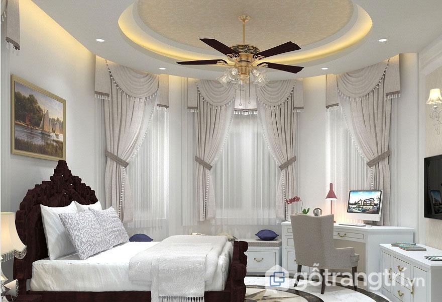 Sự xuất hiện của rèm cửa, hay đèn trang trí đã làm nổi bật không gian phòng ngủ sang trọng, quyến rũ (Ảnh: Internet)