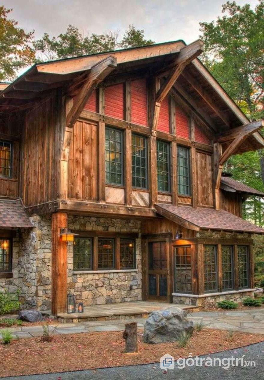 Căn biệt thự được xây từ gỗ và đá (Ảnh: Internet)