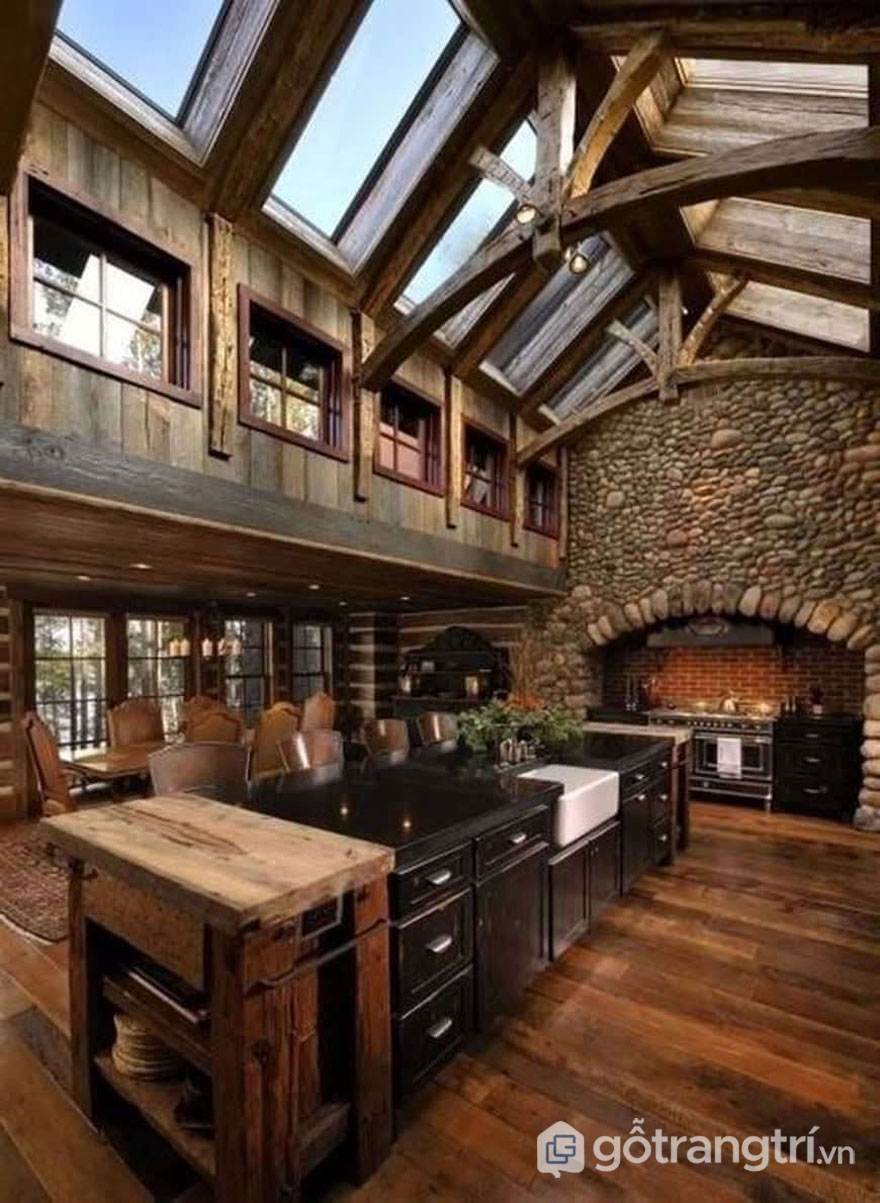Nội thất bên trong biệt thự sử dụng chủ yếu là gỗ (Ảnh: Internet)