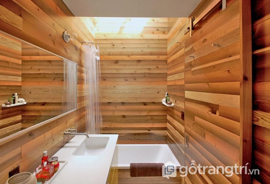 Bồn tắm luôn sử dụng những chất liệu từ gỗ, sứ và đá (Ảnh: Internet)