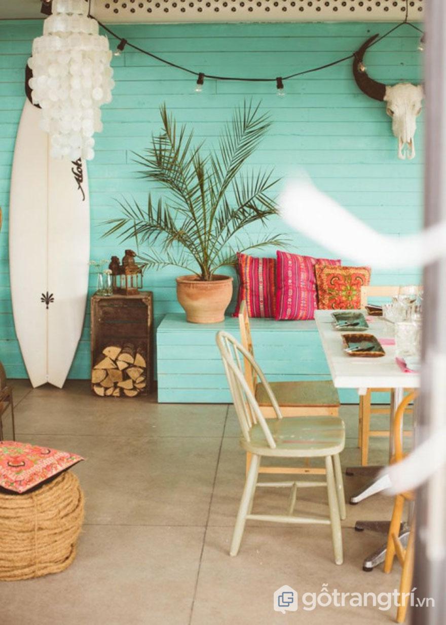 Đặc trưng của nội thất tropical đó là gỗ, vải lanh... (Ảnh: Internet)