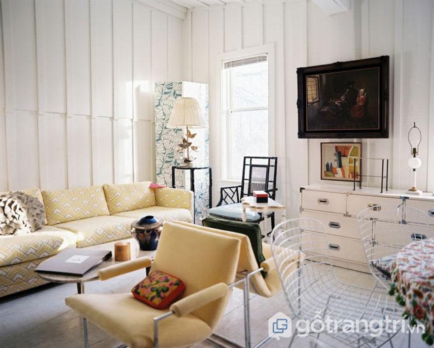 Gam màu vàng cho phòng khách vintage trở nên rạng rỡ (Ảnh: Internet)