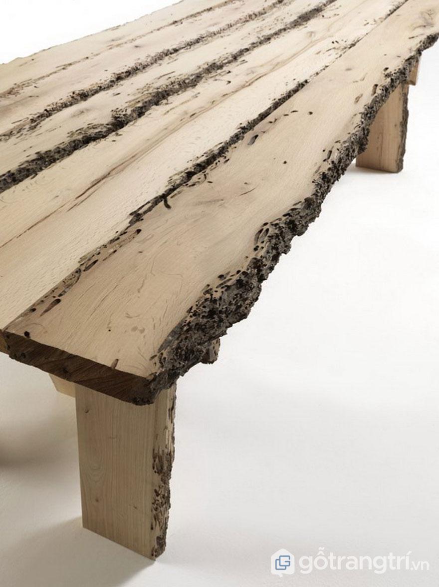 Sự thô ráp thể hiện qua hình dáng chiếc ghế này (Ảnh: Internet)