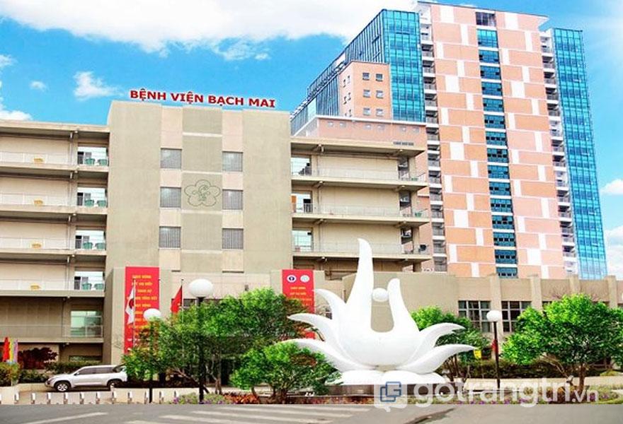 Bệnh viện Bạch Mai mang phong cách kiến trúc Art Deco (Ảnh: Internet)
