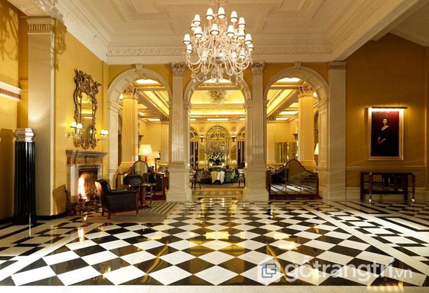 Khách sạn Claridge, Mayfair phong cách kiến trúc art deco tráng lệ (Ảnh: Internet)