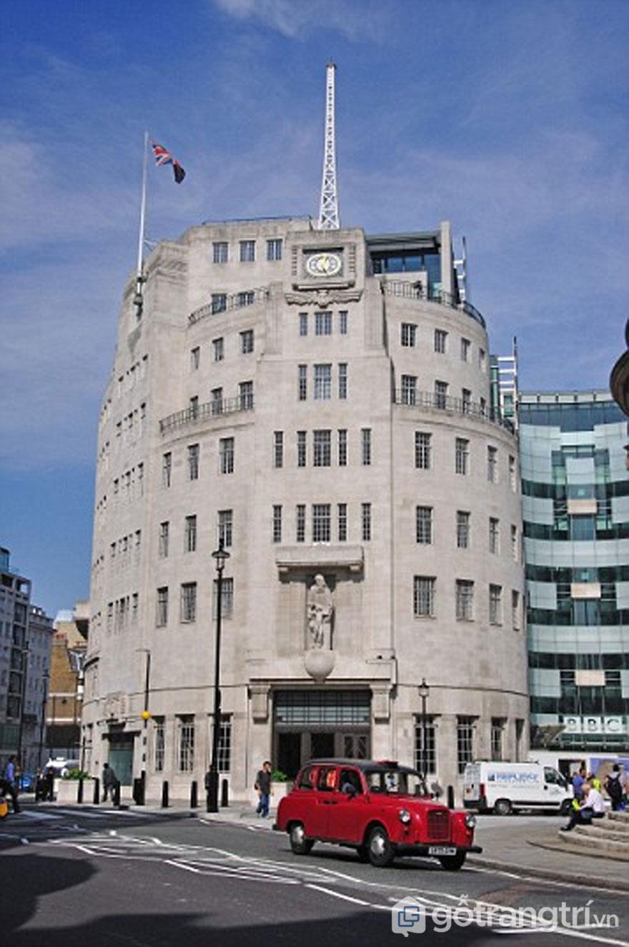 Đài phát thanh, West End - Công trình mang phong cách kiến trúc Art Deco (Ảnh: Internet)