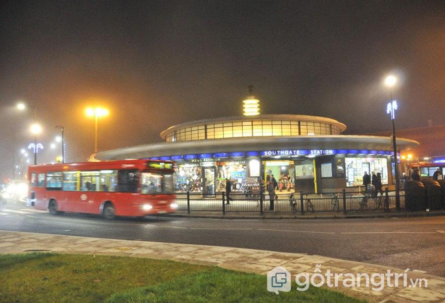 Ga tàu điện Southgate, Southgate - Phong cách kiến trúc Art Deco (Ảnh: Internet)