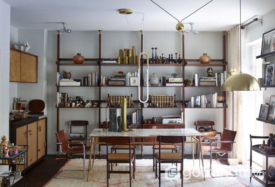 Kệ sắt làm bằng kim loại được trưng dụng đồ dùng nhà bếp tiện lợi (Ảnh: Internet)