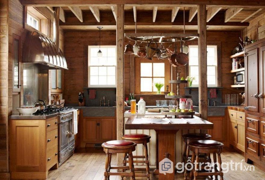 Phòng bếp Rustic hoàn toàn được làm từ gỗ thô mộc, ấm áp (Ảnh: Internet)