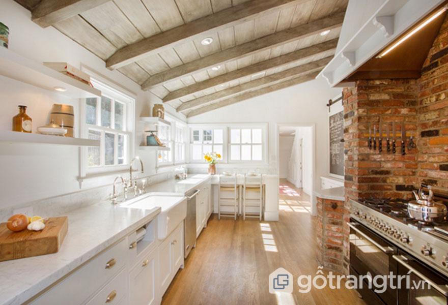 Chiếc rầm gỗ trong căn bếp (Ảnh: Internet)