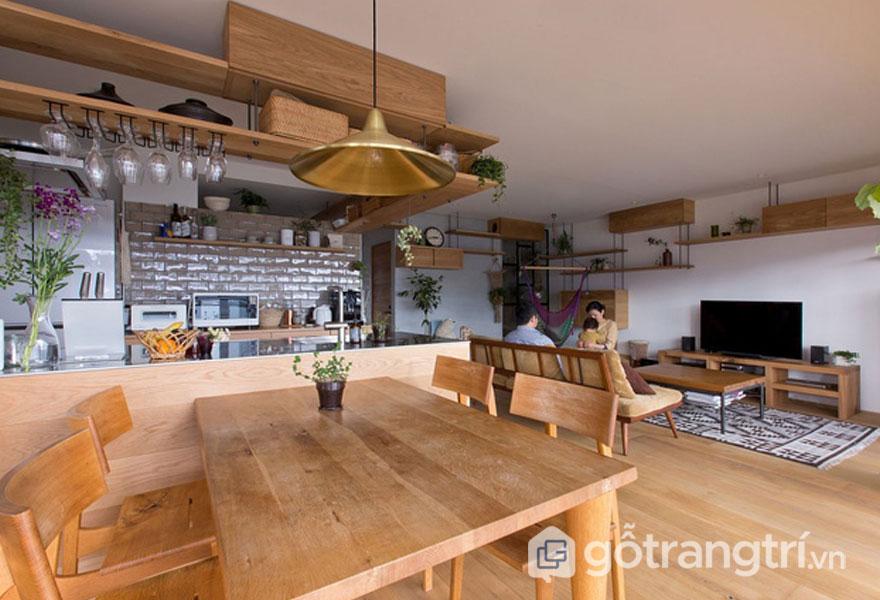 Phòng ăn liền kề với phòng khách (Ảnh: Internet)