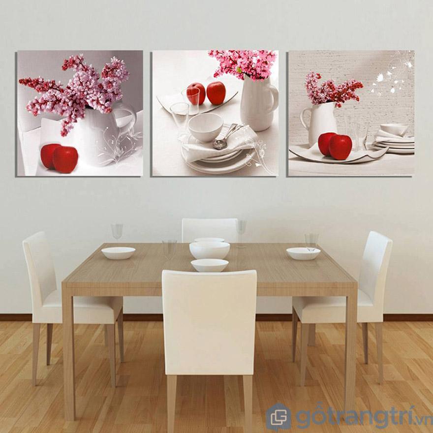 Phòng bếp sẽ không còn đơn điệu và trống trải khi bạn sử dụng tranh Canvas nghệ thuật.