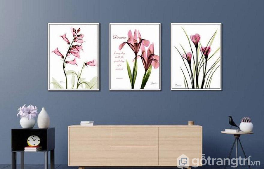 Tranh Canvas hoa với đủ chủng loại, màu sắc và kích thước luôn là lựa chọn tạo không gian tươi mới.