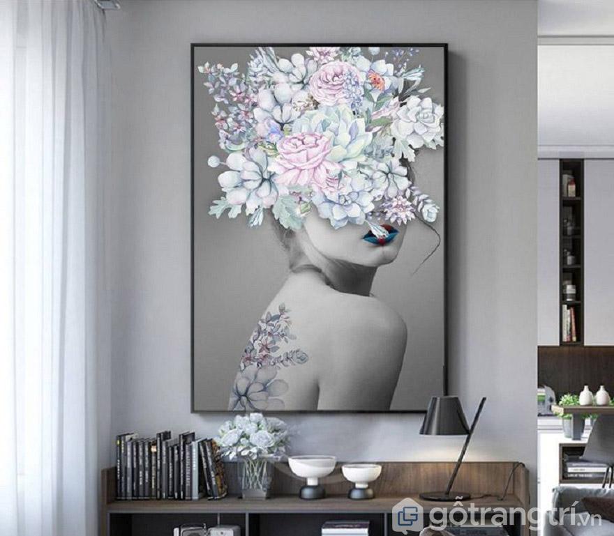Tranh nghệ thuật giúp vhr đi khuyết điểm trống nơi góc phòng.