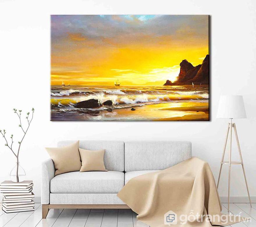 Để giảm sự đơn điệu cho không gian thì những mẫu tranh màu sắc tươi sáng là lựa chọn tuyệt vời cho bạn.