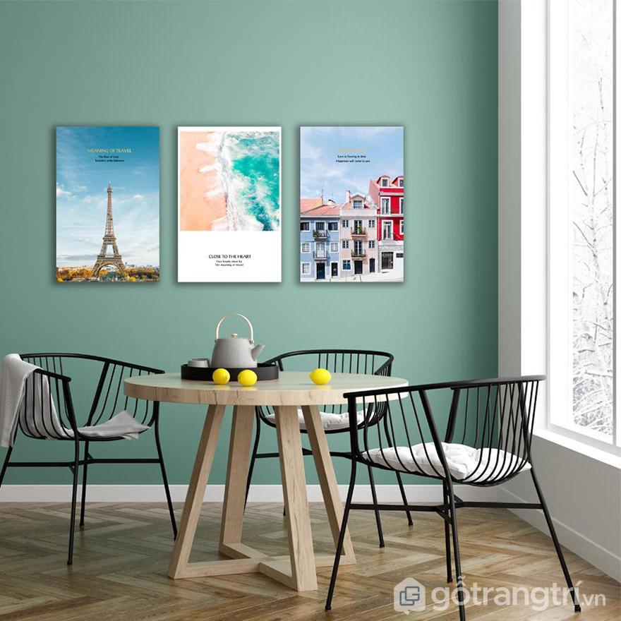 Không gian hiện đại luôn phù hợp với những mẫu tranh Canvas hiện đại.