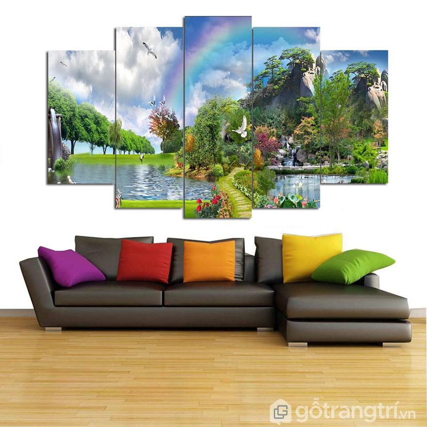 Bạn có thể chọn thoải mái mẫu tranh phong cảnh treo tại phòng khách, phòng ngủ hay phòng làm việc.