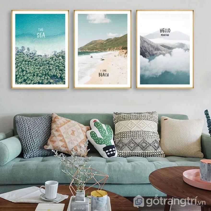 Tranh vải canvas được sử dụng rất phổ biến, có nhiễu mẫu mã, kích thước cho bạn chọn lựa.