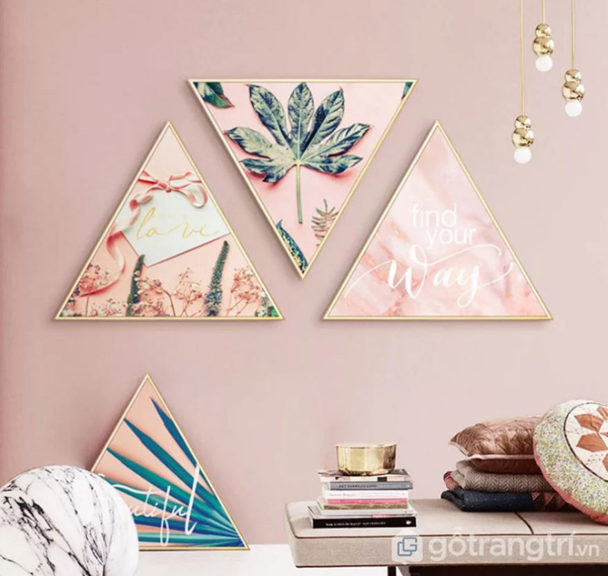 Ngoài tranh hình vuông, chữ nhật còn có tranh vải canvas hình tam giác cho bạn thỏa sức phá cách trang trí.