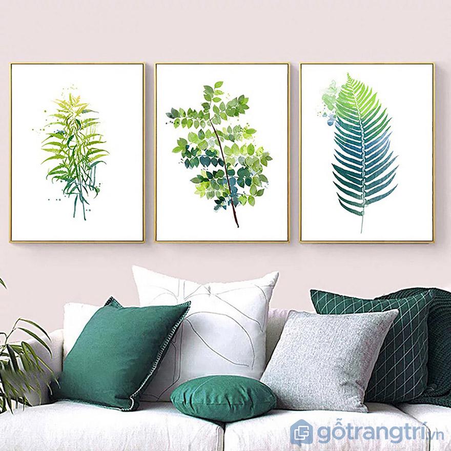 Tranh về cây cối luôn dễ lựa chọn và phù hợp với rất nhiều không gian phòng khách.
