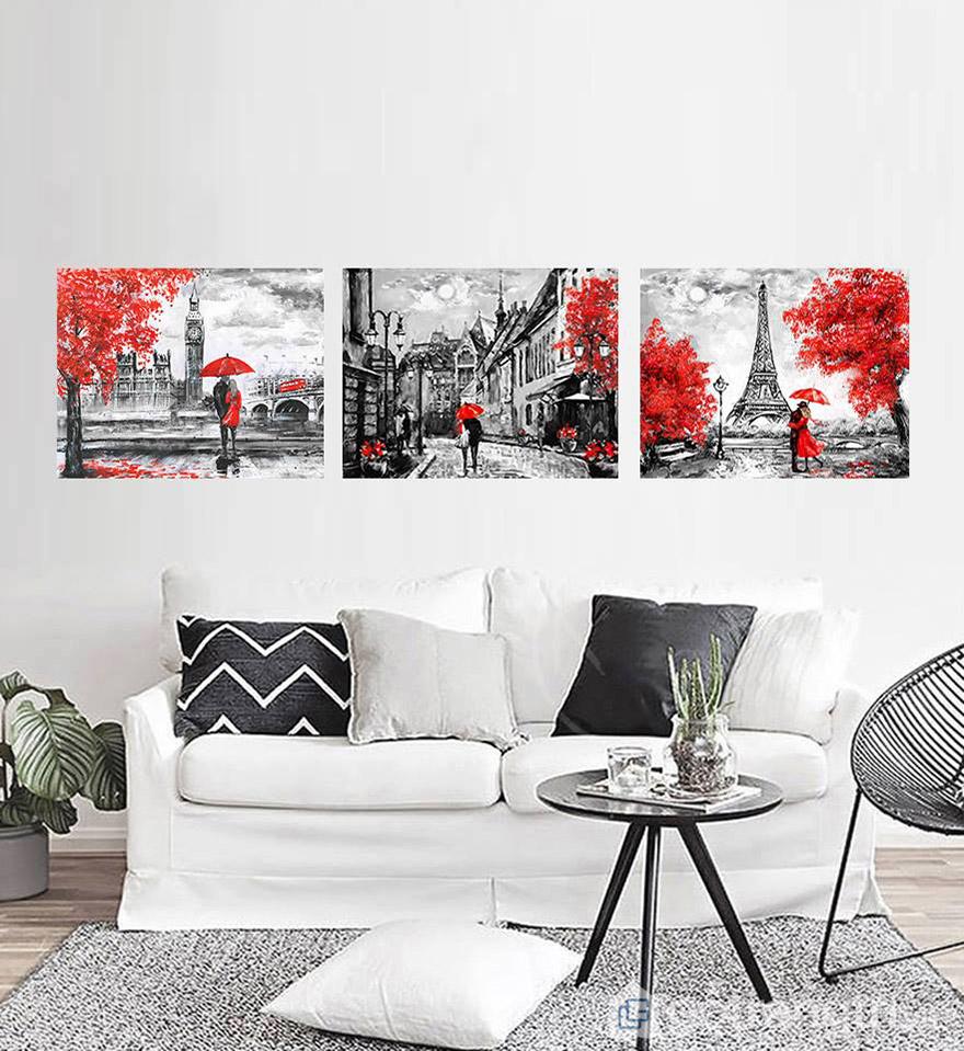 Mệnh Hỏa nên lựa chọn màu đỏ, hồng hoặc tím làm điểm nhấn cho bức tranh treo tường