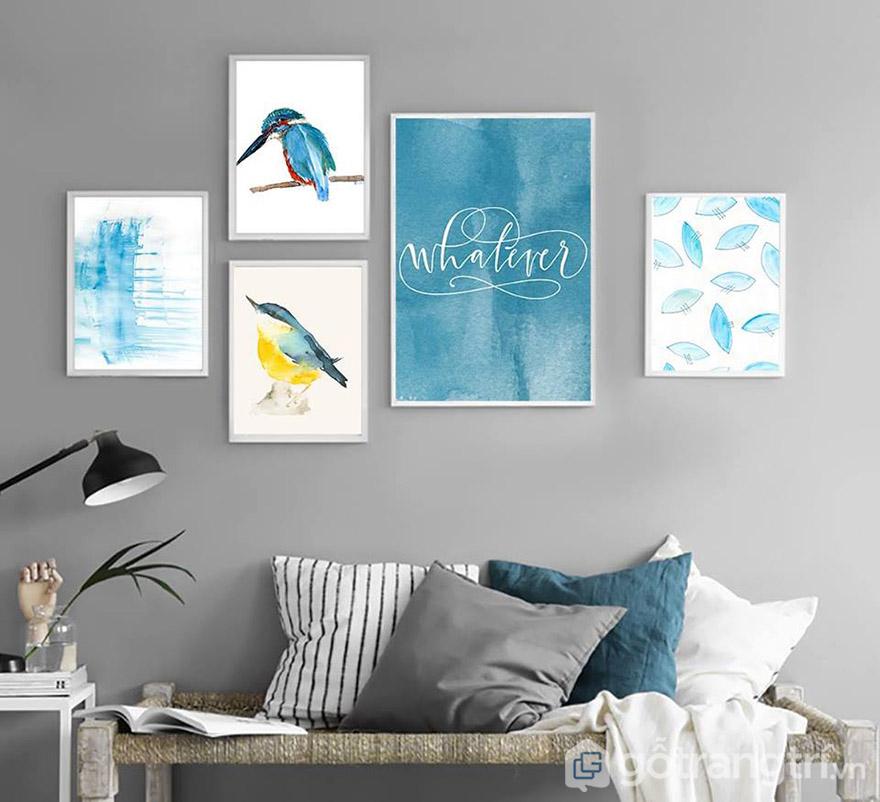 Màu xanh dương mang đến nét tươi sáng và hiện đại cho không gian phòng khách