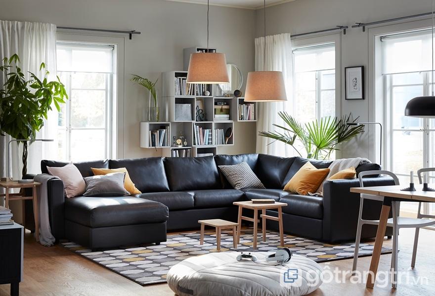 Bộ sofa màu đen làm nổi bật không gian - ảnh internet
