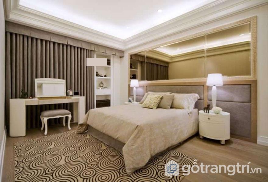 Phòng ngủ khá đơn giản (Ảnh: Internet)