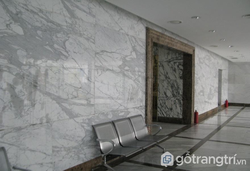 Ốp tường bằng đá - ảnh inetrnet