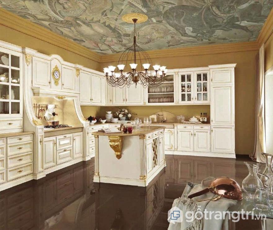 Tường và trần nhà phòng ăn khá ấn tượng (Ảnh: Internet)