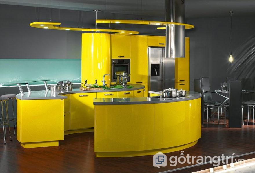 Căn bếp được trang trí màu vàng khá là nổi bật (Ảnh: Internet)