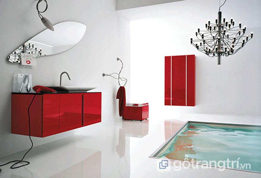 Phòng tắm nổi bật với tông màu đỏ tươi (Ảnh: Internet)