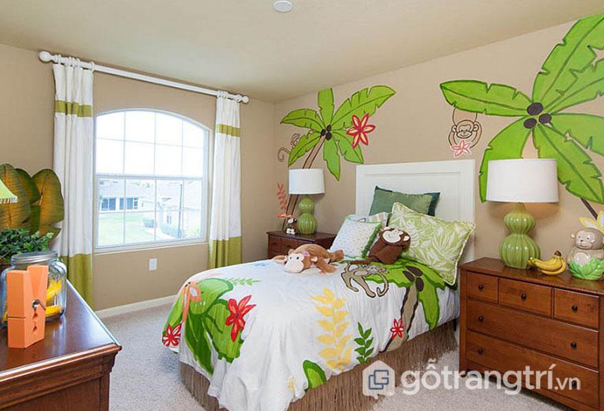 Bức tường phòng ngủ trở nên sinh động hơn với những họa tiết hình cây dừa màu xanh, hay ga trải giường họa tiết xanh đẹp nhã nhặn (Ảnh: Internet)