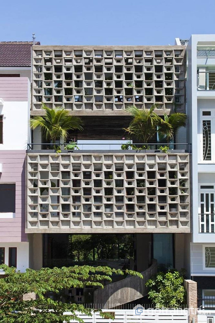 Sử dụng mảng tường xi măng chắn nóng (Ảnh: Internet)
