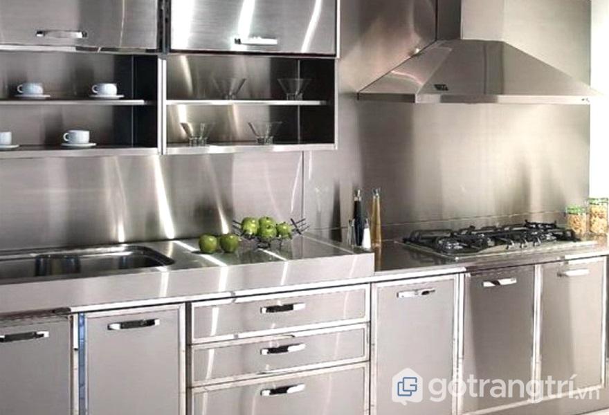 Bề mặt thép không gỉ sáng bóng cho căn bếp luôn sạch sẽ - ảnh internet