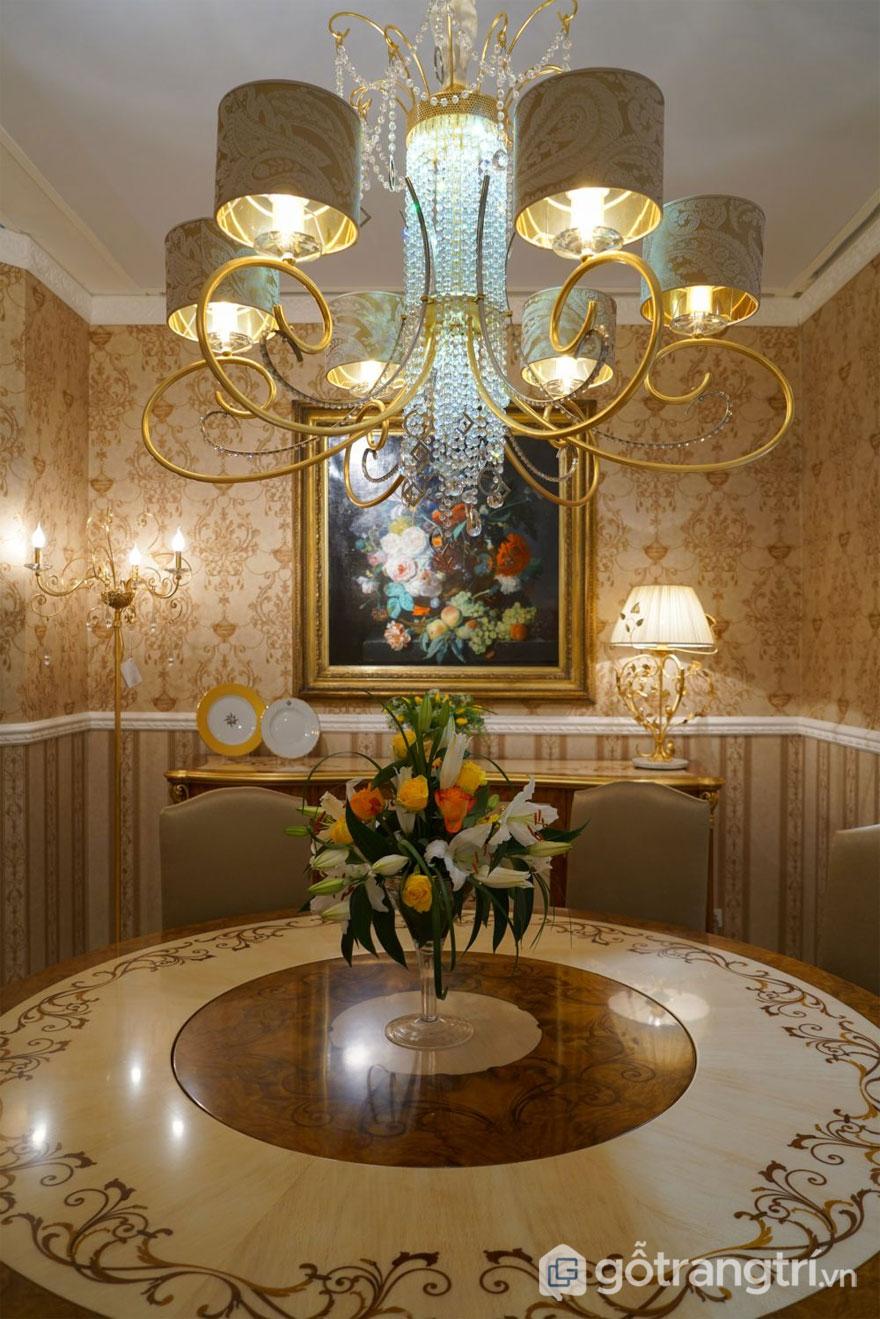 Gỗ dát - được gọi là marquetry - là một đặc trưng của nhiều đồ nội thất theo phong cách Baroque (Ảnh: Internet)