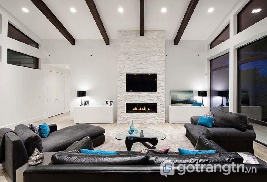 Phòng khách được thiết kế với gam màu đen trắng chủ đạo (Ảnh: Internet)