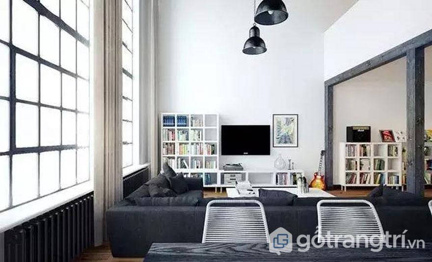 Phòng khách được sử dụng 2 tông màu đối lập là màu đen và trắng (Ảnh: Internet)