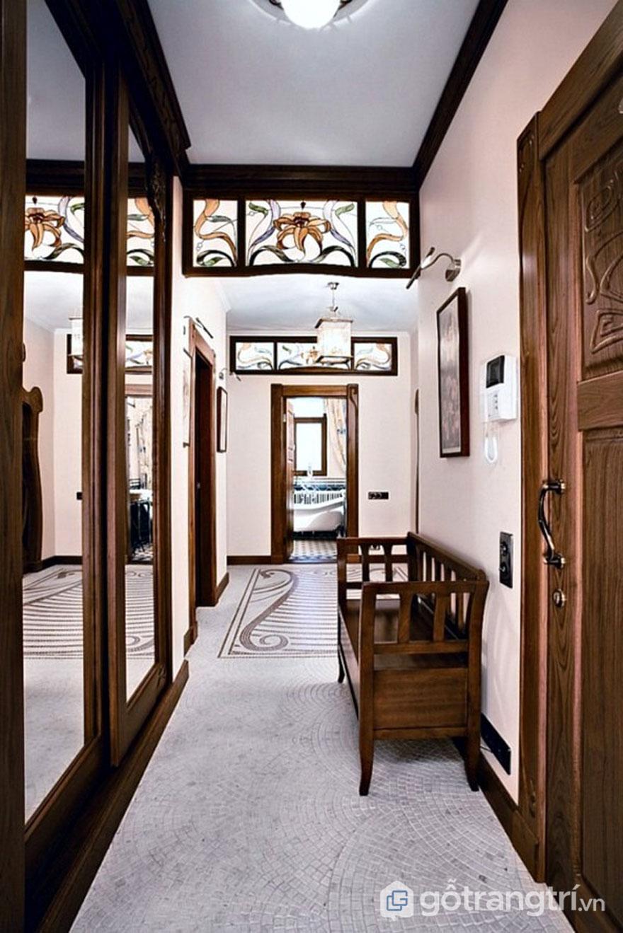 Phong cách art nouveau sử dụng kính màu trang trí công phu để trang trí cho hành lang (Ảnh: Internet)