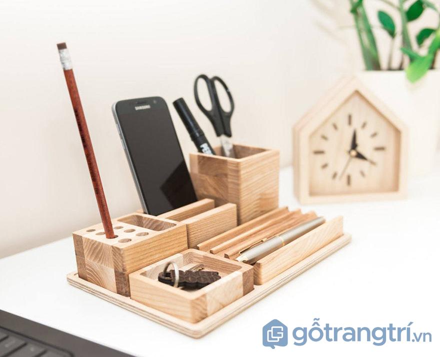 đồ trang trí bàn làm việc bằng gỗ