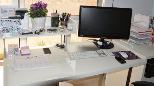 Đồ trang trí bàn làm việc đơn giản