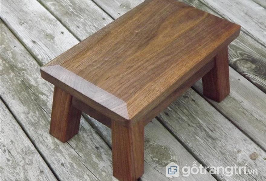 Ghế ngồi gỗ óc chó - ảnh internet