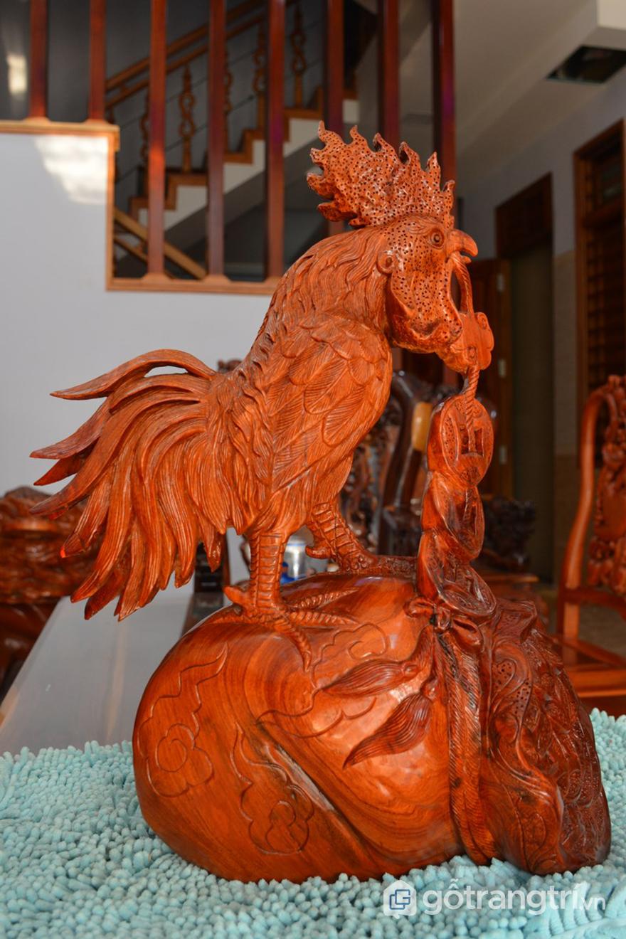 Vật phẩm phòng thủy bằng gỗ trong trang trí văn phòng