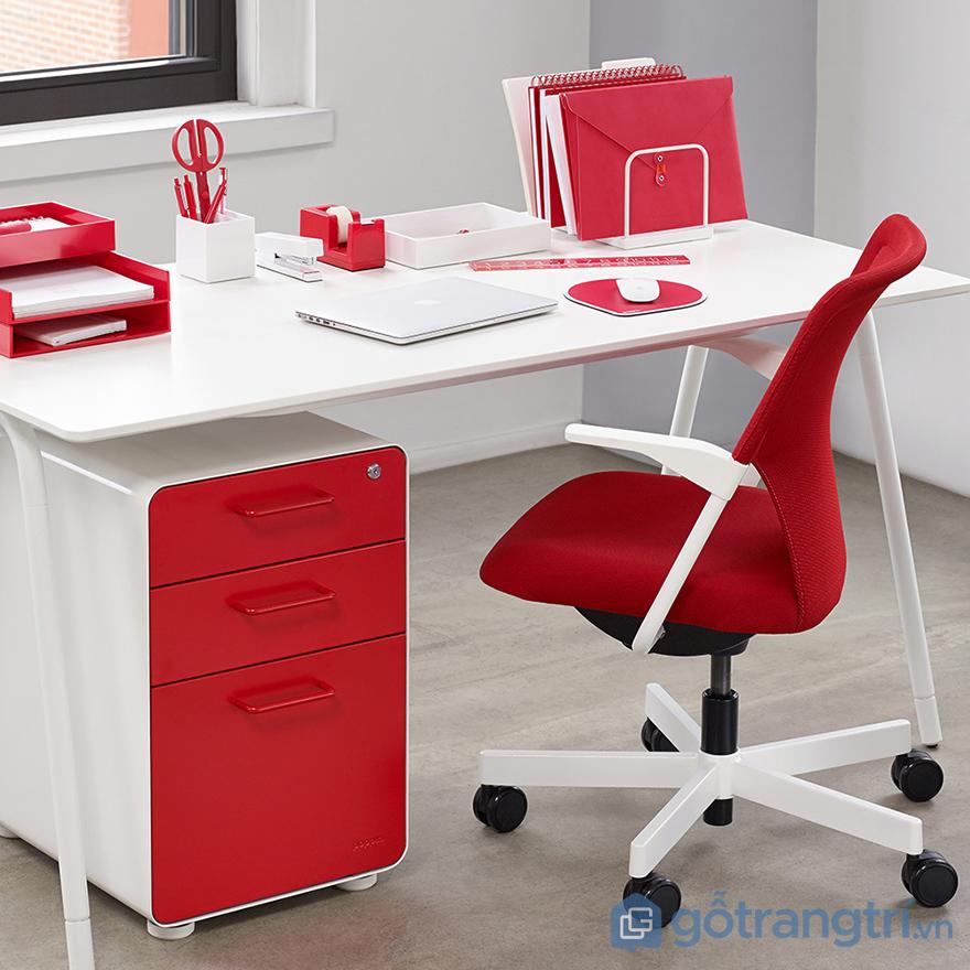 Màu đỏ trong phong thủy bàn làm việc