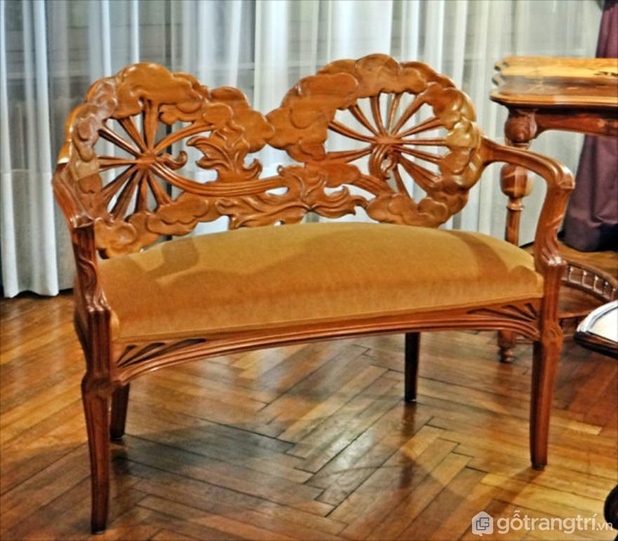 Ghế bọc nệm, phong cách nghệ thuật nouveau. Tác giả: Jean-Pierre DalbéraCC BY 2.0