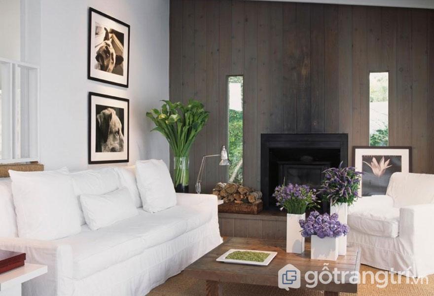 Phòng khách sử dụng ghế sofa phủ vài màu trắng tinh (Ảnh: Internet)