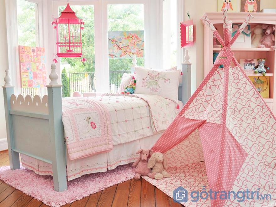 Trang trí phòng ngủ bé gái với lều vải