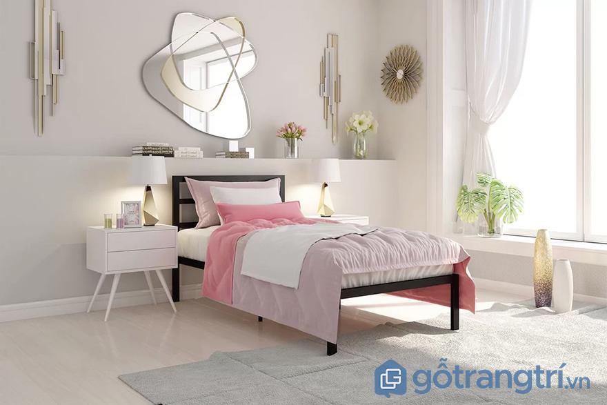 trang trí tường phòng ngủ với gương treo tường