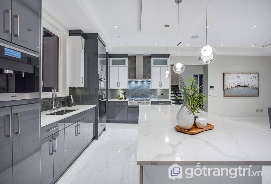 Tủ bếp nhựa Acrylic dễ vệ sinh, lau chùi - ảnh internet