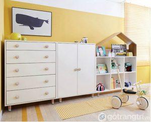 Tủ trang trí phòng khách GHS-5674 được thiết kế với phần khung chắc chắn.
